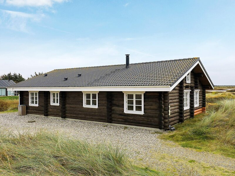 Gorgeous Holiday Home in Jutland Denmark with Whirlpool, holiday rental in Lild Strand