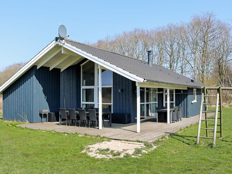 Spacious Holiday Home in Storvorde with Sauna, location de vacances à Hals