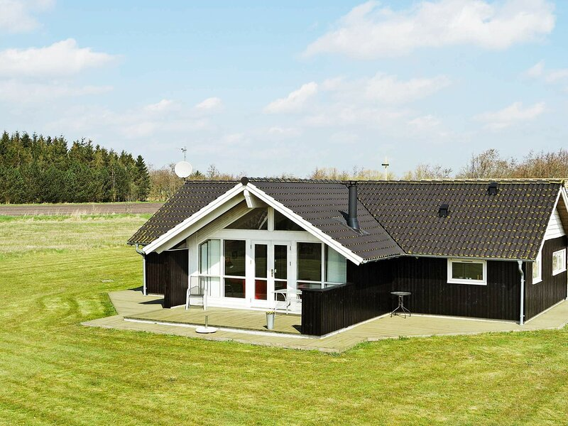Lovely Holiday Home in Hadsund with Sauna, casa vacanza a Mariagerfjord Municipality