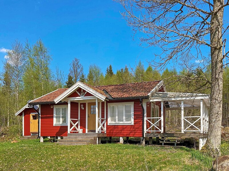 4 person holiday home in BRAåS, holiday rental in Lammhult