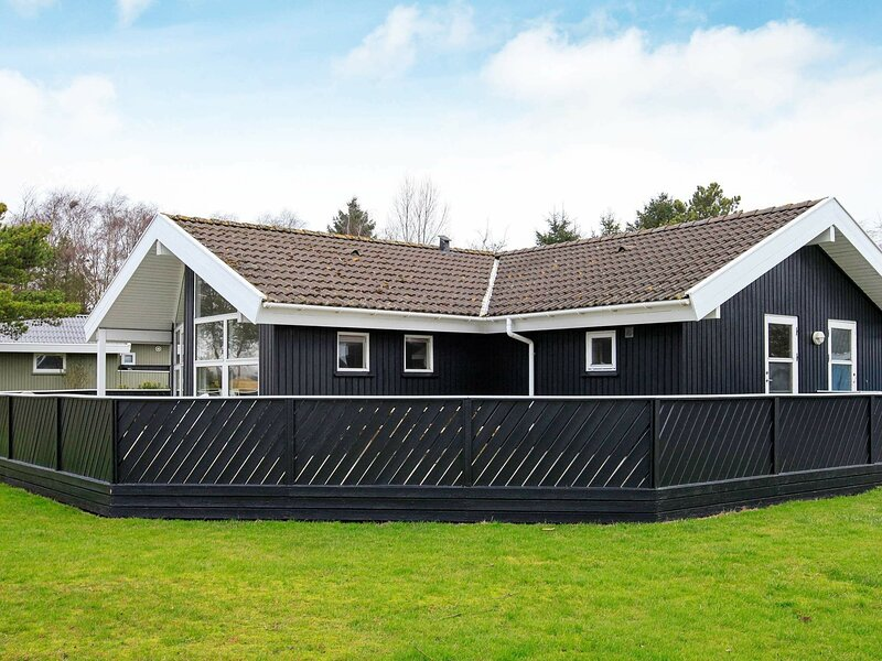 Cozy Holiday Home in Humble with Sauna, alquiler vacacional en Langeland