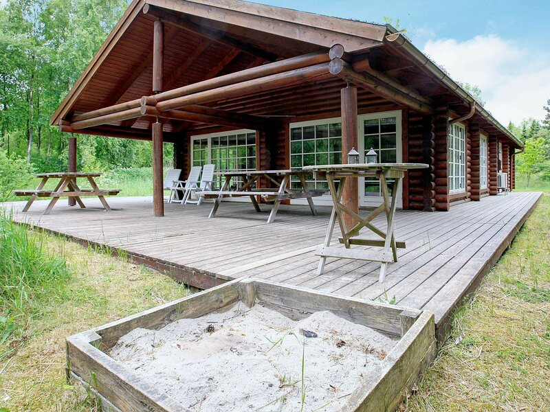Pleasant Holiday Home in Sæby with Sauna, holiday rental in Asaa