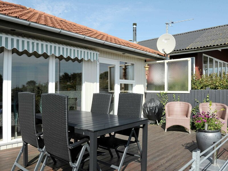 Warm Holiday Home in Hejls with Terrace, holiday rental in Christiansfeld