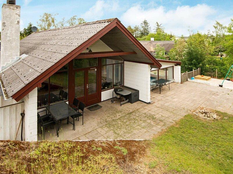 Delightful Holiday Home in Ebeltoft with Sauna, Ferienwohnung in Boeslum