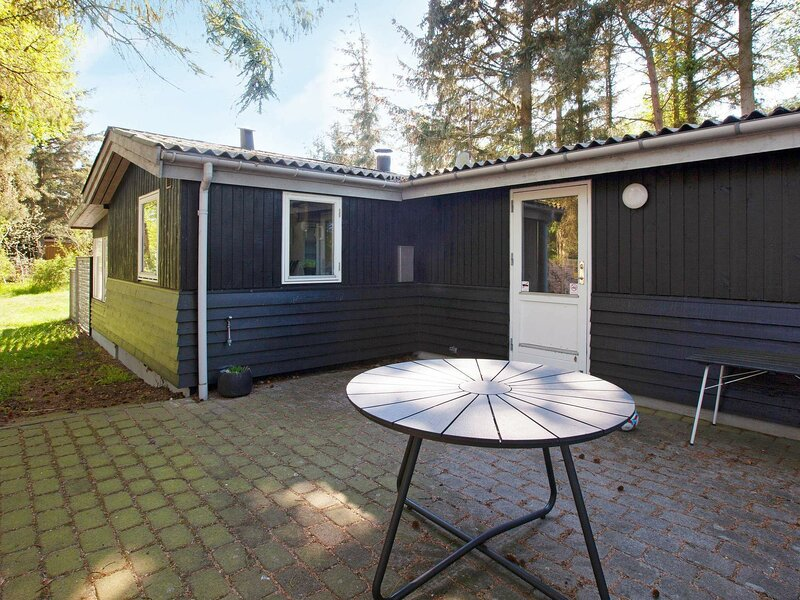 Comfortable Holiday Home in Rødby with Terrace, holiday rental in Maribo