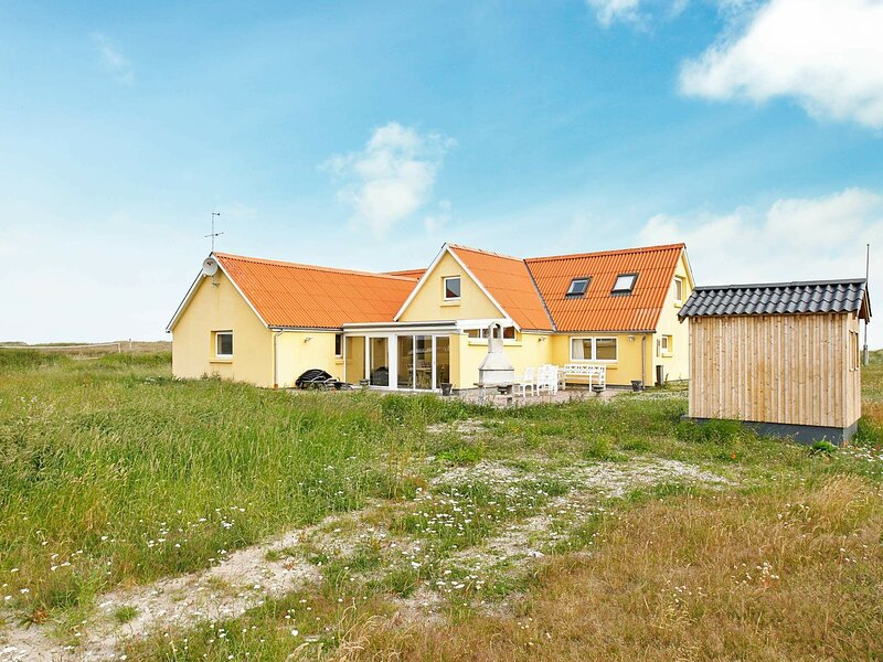 Modern Holiday Home in Thisted Denmark with Swimming Pool, holiday rental in Skyum