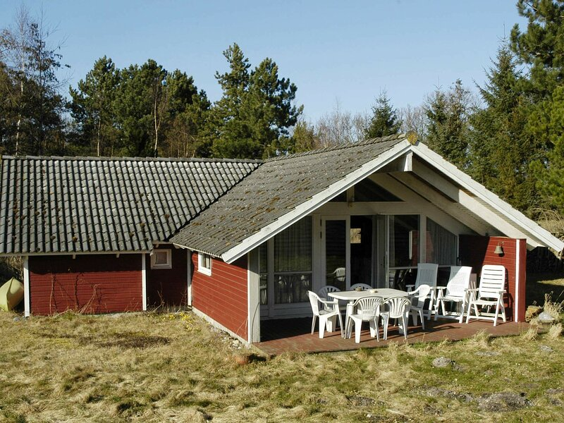 Gorgeous Holiday Home in Martofte with Roofed Terrace, holiday rental in Dalby