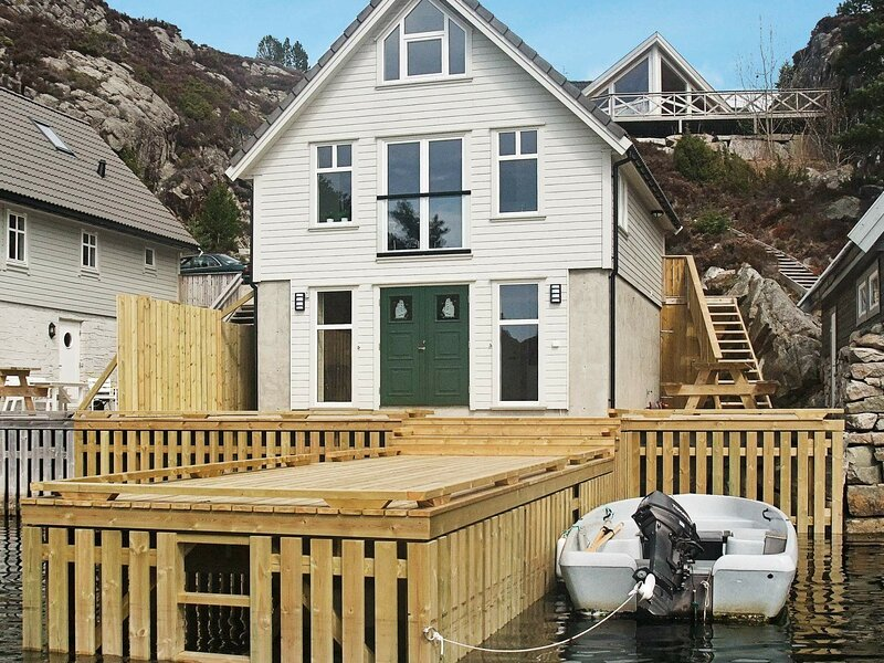 5 star holiday home in Urangsvåg, aluguéis de temporada em Stord Municipality