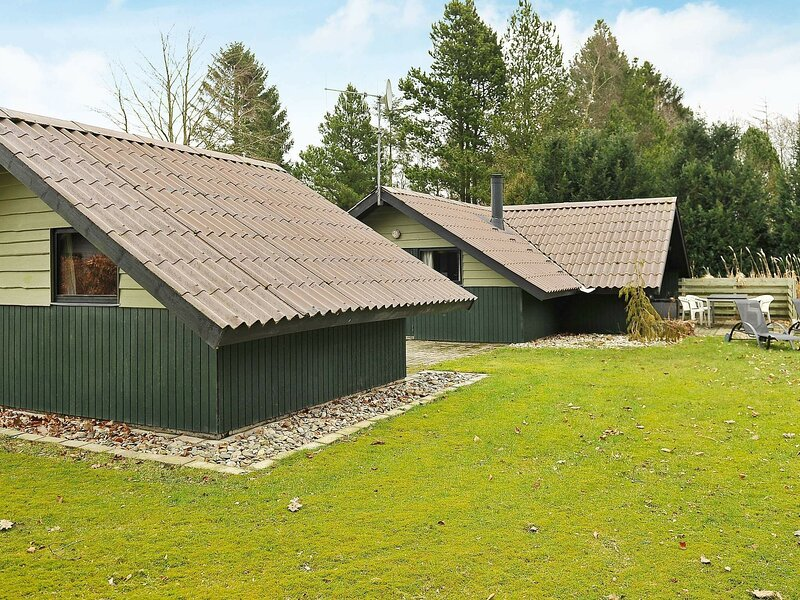 Charming Holiday Home in Ansager with Barbecue, holiday rental in Give