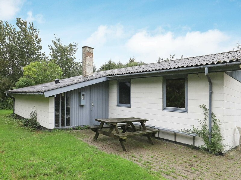 Pleasant Holiday Home in Vestervig with Terrace, holiday rental in Hurup