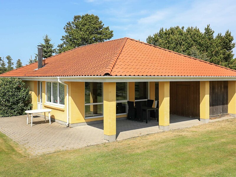 Comfortable Holiday Home in Hals with Whirlpool, location de vacances à Hals