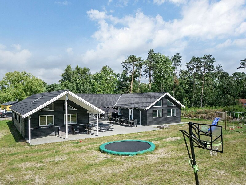 Charming Holiday Home in Nexø with Swimming Pool, holiday rental in Balka