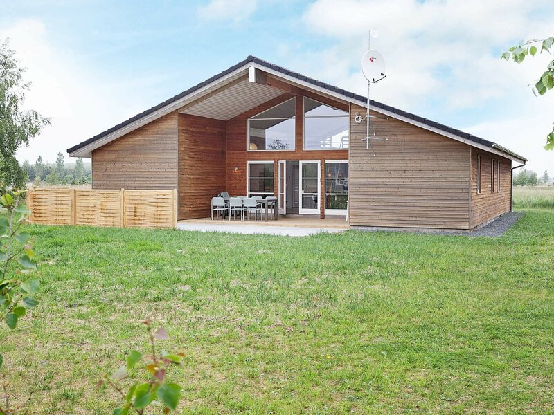 Amazing Holiday Home in Rødby with Whirlpool, holiday rental in Maribo