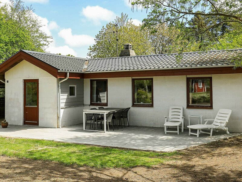 Cozy Holiday Home in Syddanmark with Barbecue, holiday rental in Rudkobing