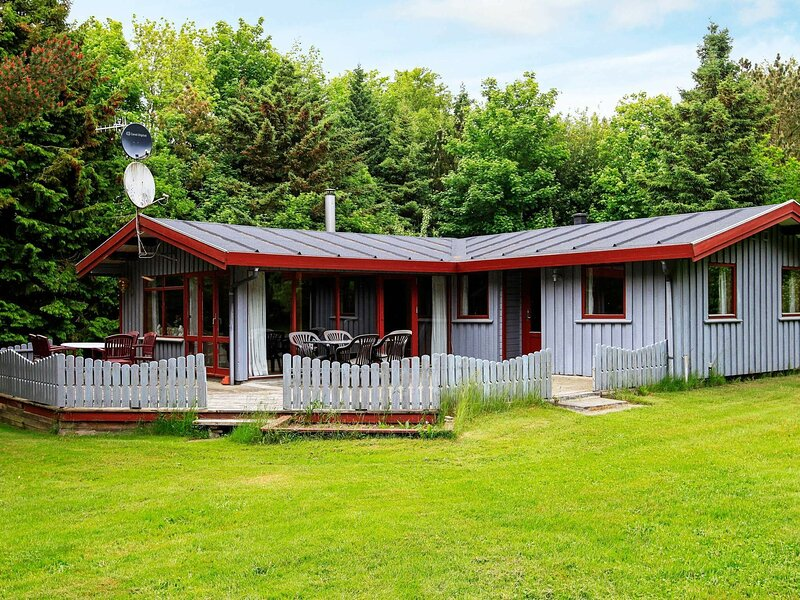 Fantastic Holiday Home near Roslev with Sauna, holiday rental in Skive
