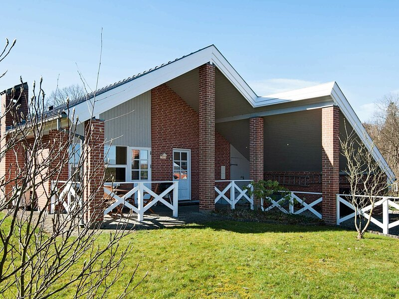 Lovely Holiday Home in Børkop with Terrace, holiday rental in Give