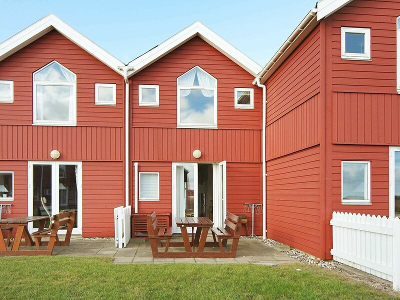 Beautiful Holiday Home in Hadsund with Barbecue, casa vacanza a Mariagerfjord Municipality
