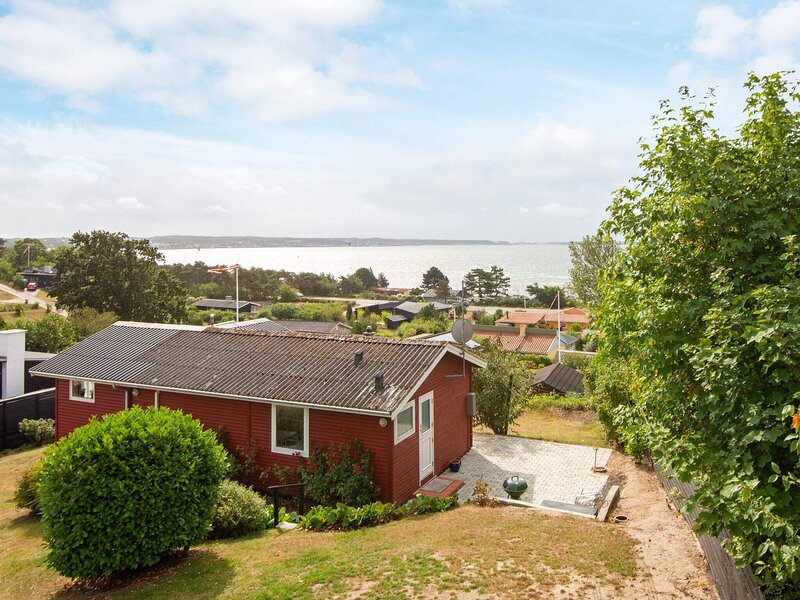 Quaint Holiday Home in Ebeltoft with Terrace, holiday rental in Balle
