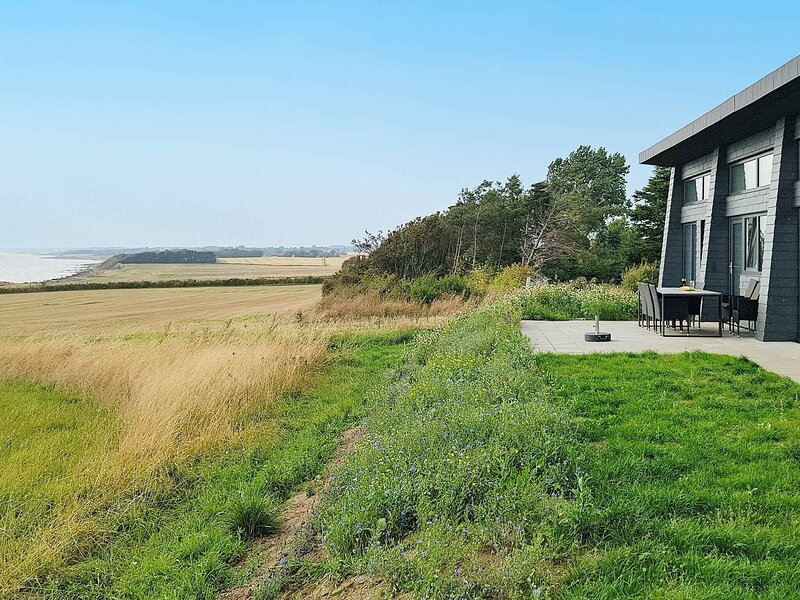 Luxurious Holiday Home in Kalundborg with Sea-view, holiday rental in Kalundborg Municipality