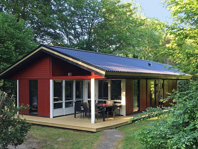 6 person holiday home in TJÖRNARP – semesterbostad i Hässleholm