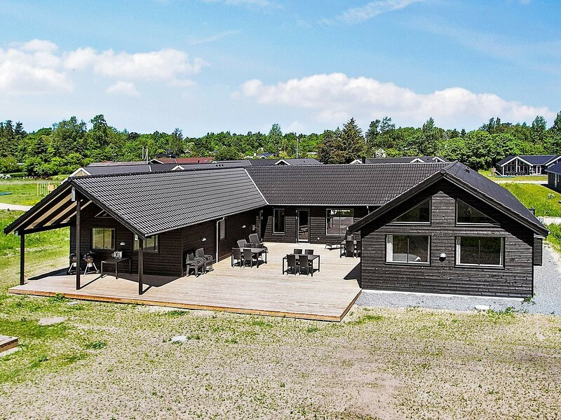 Modern Holiday Home in Vejby near Sea, holiday rental in Tisvildeleje