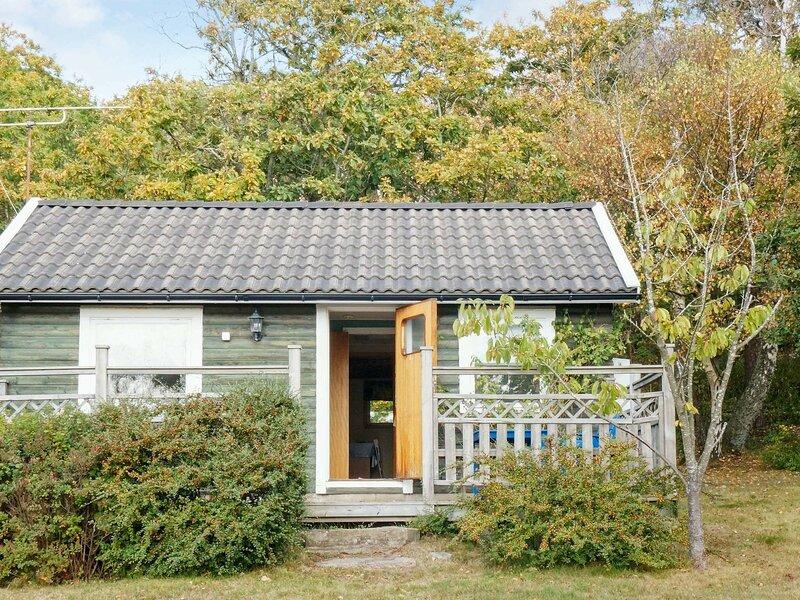 4 person holiday home in UGGLARP, location de vacances à Getinge