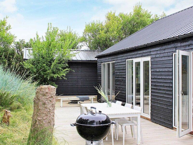 Modern Holiday Home in Lønstrup near Sea, casa vacanza a Lonstrup