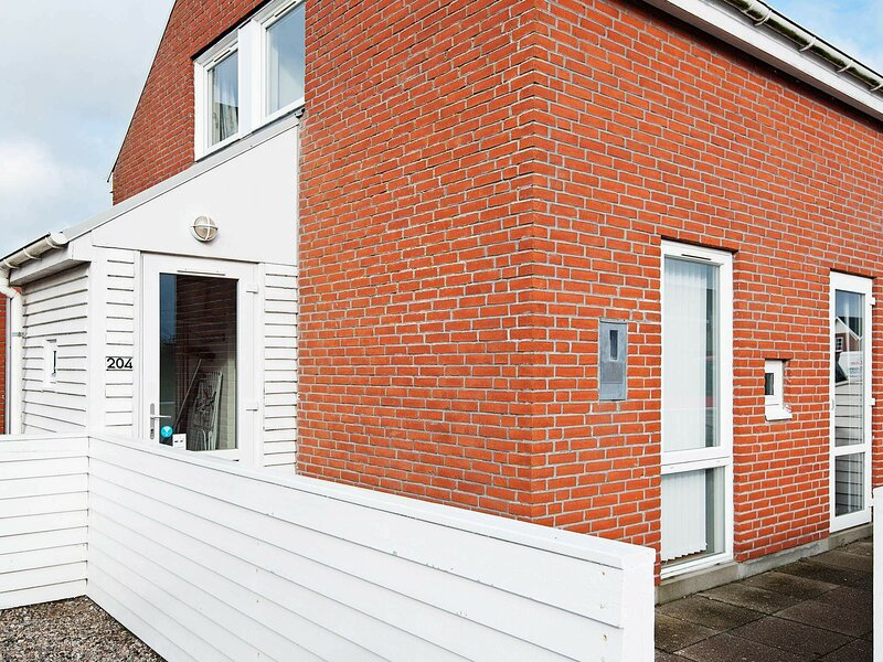 Modern Apartment in Rømø with Swimming Pool, holiday rental in Ballum