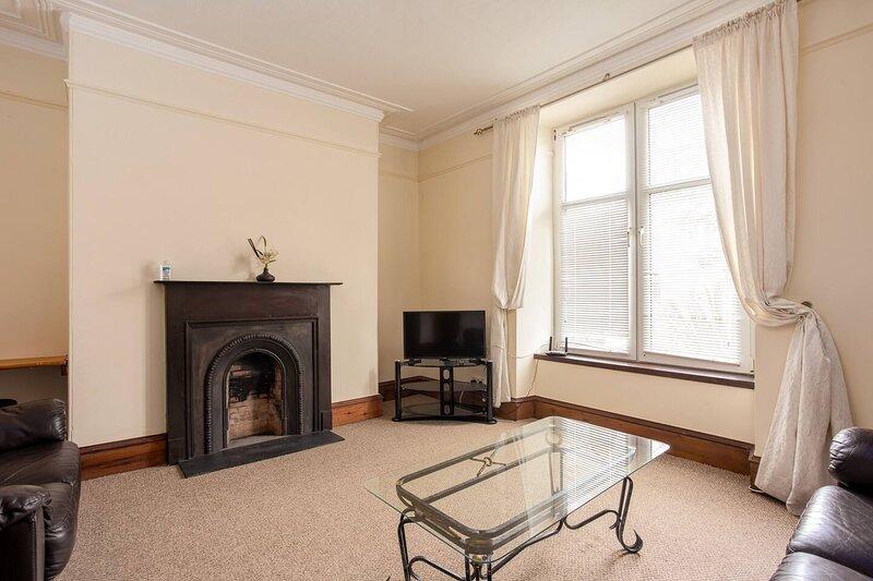 1 Bedroom Apartment Aberdeen Westend - Perfect!, holiday rental in Blackburn