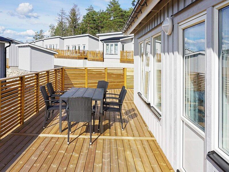 6 person holiday home in STRÖMSTAD, location de vacances à Halden Municipality