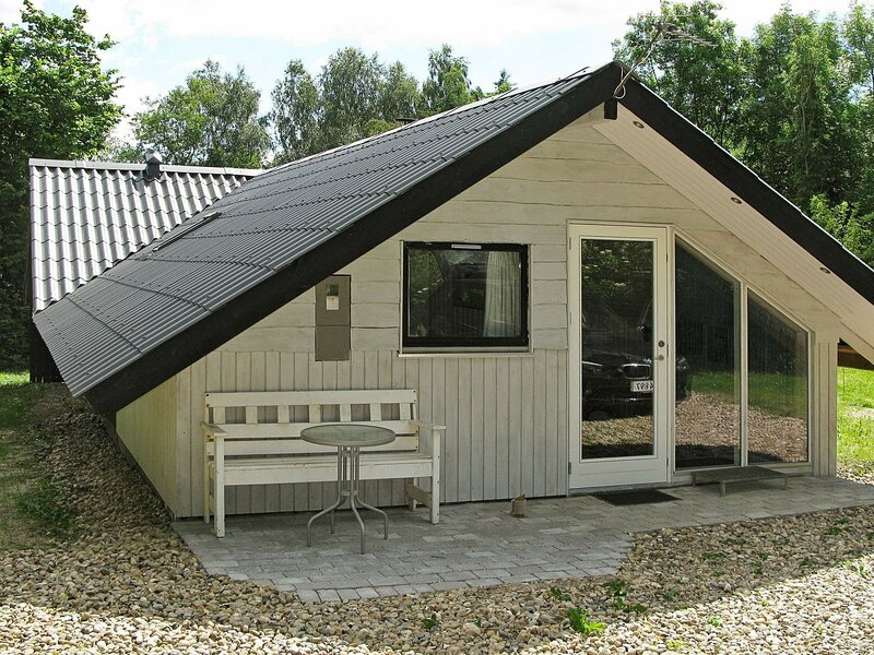 Pleasant Holiday Home in Roslev with Terrace, holiday rental in Viborg