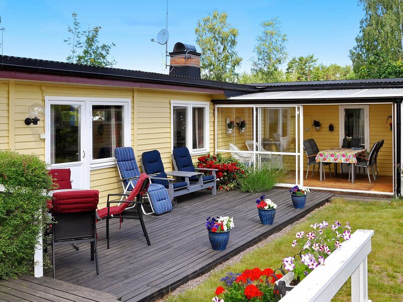 6 person holiday home in Mönsterås, location de vacances à Lottorp