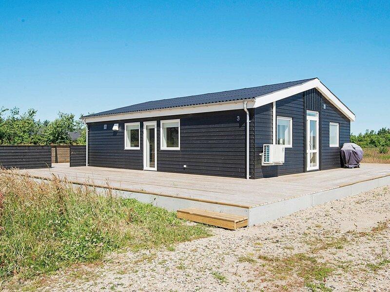 Luxurious Holiday Home in Jutland with Garden, casa vacanza a Rubjerg