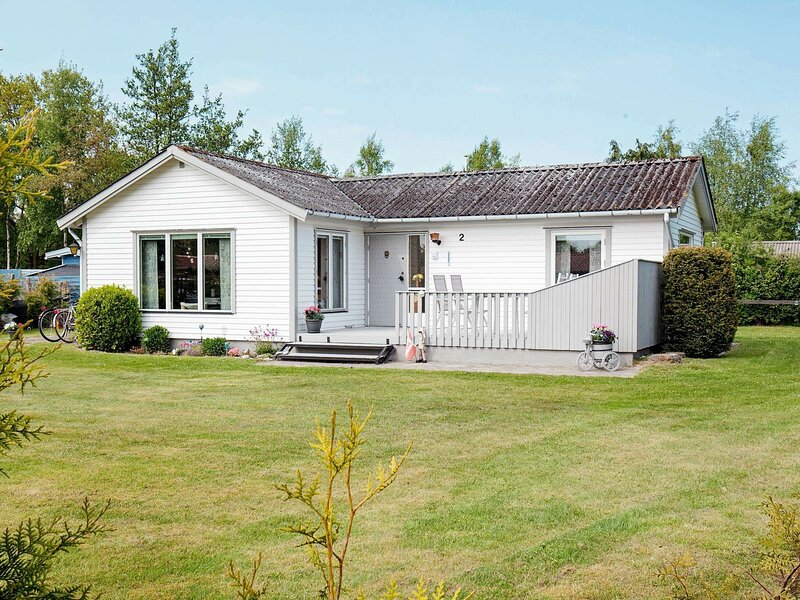 Charming Holiday Home in Stege  Zealand With Barbeque, alquiler vacacional en Rødvig