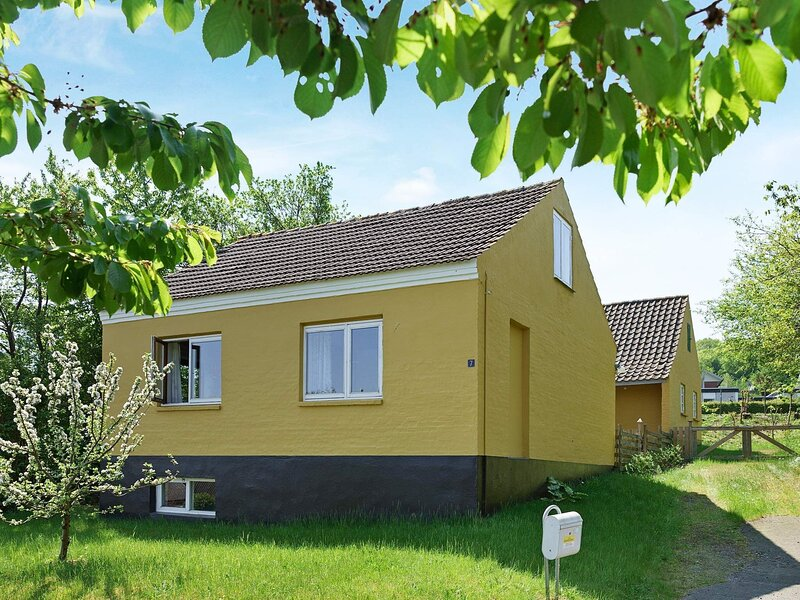Elegant Holiday Home in Allinge Bornholm with Terrace, holiday rental in Hasle