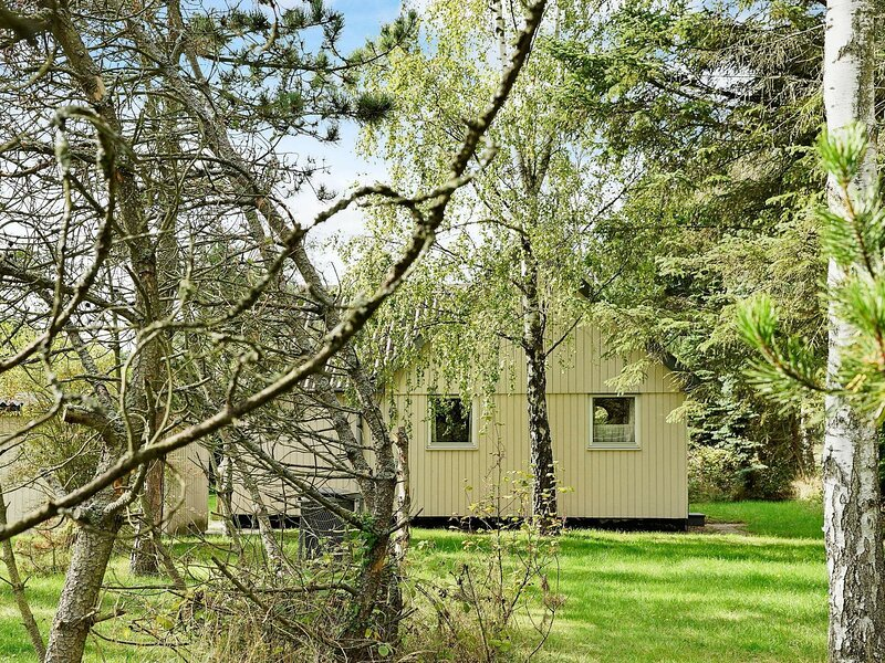 Peaceful Holiday Home in Aakirkeby With Large Terrace, holiday rental in Akirkeby