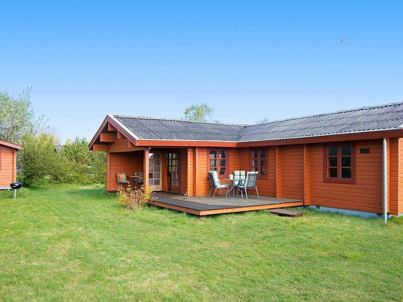 Luxurious Holiday Home in Jutland Near Beach, holiday rental in Brabrand