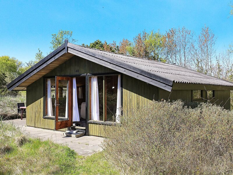 Vintage Holiday Home in Jutland Near Child-friendly Beach, holiday rental in Hulsig
