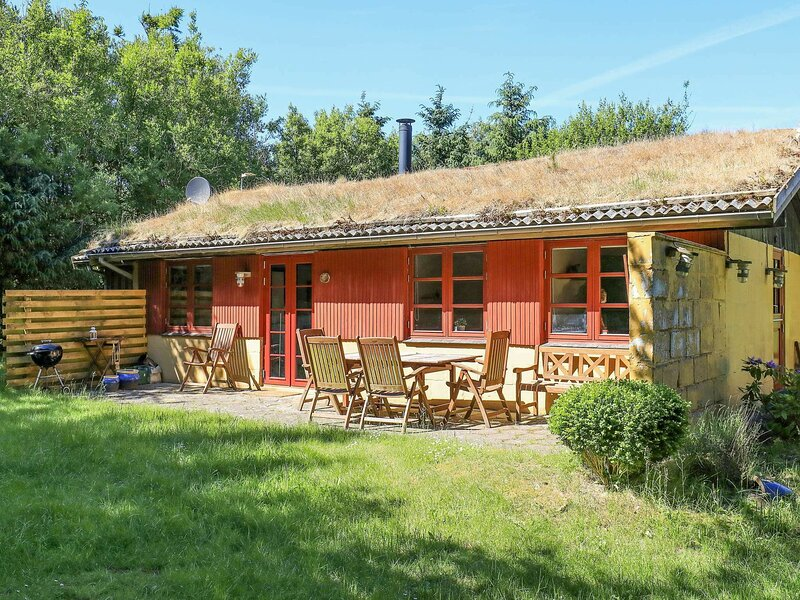 Modern Holiday Home in Blokhus With Private Terrace, holiday rental in Pandrup
