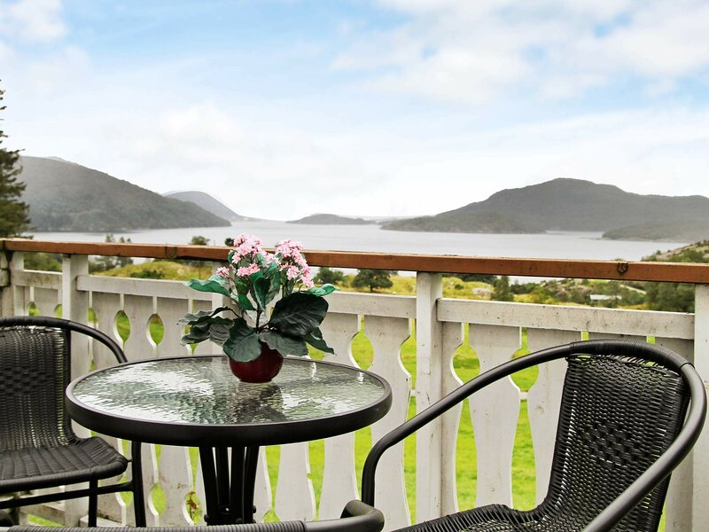 4 star holiday home in Masfjordnes, holiday rental in Matre