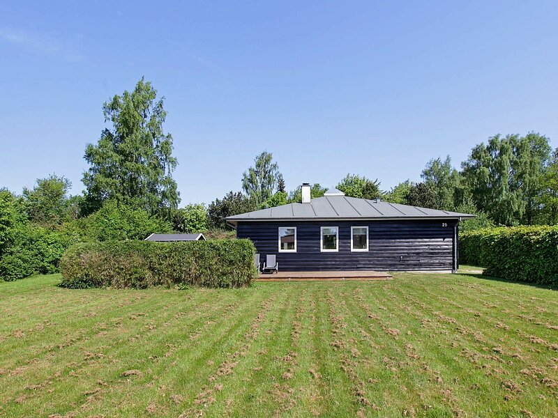 Luxurious Holiday Home in Gilleleje with Sauna, holiday rental in Hornbaek