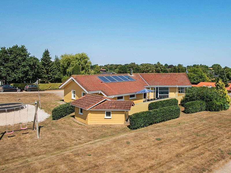 Vibrant Holiday Home in Jutland with Sauna, vacation rental in Christiansfeld