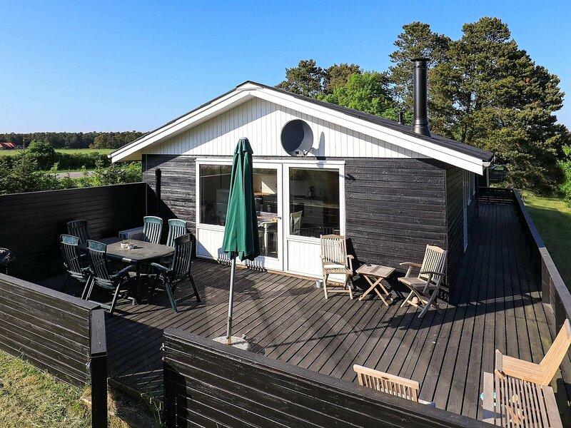 Peaceful Holiday Home in Storvorde near Sea, location de vacances à Hals