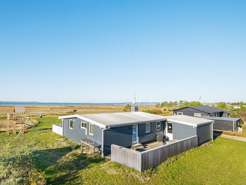 Tranquil Holiday Home in Ebeltoft with Sea View, Ferienwohnung in Elsegaarde Strand