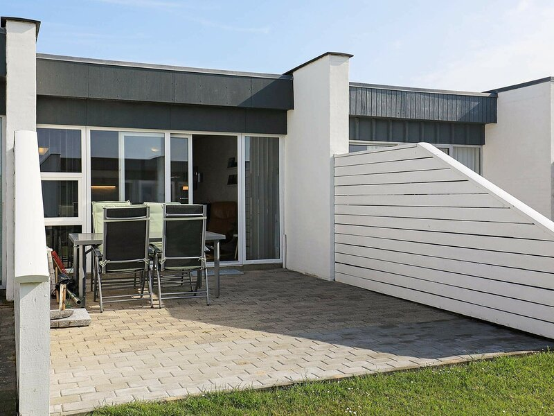Cozy Holiday Home in Vestervig with Swimming Pool, alquiler vacacional en Thyboron