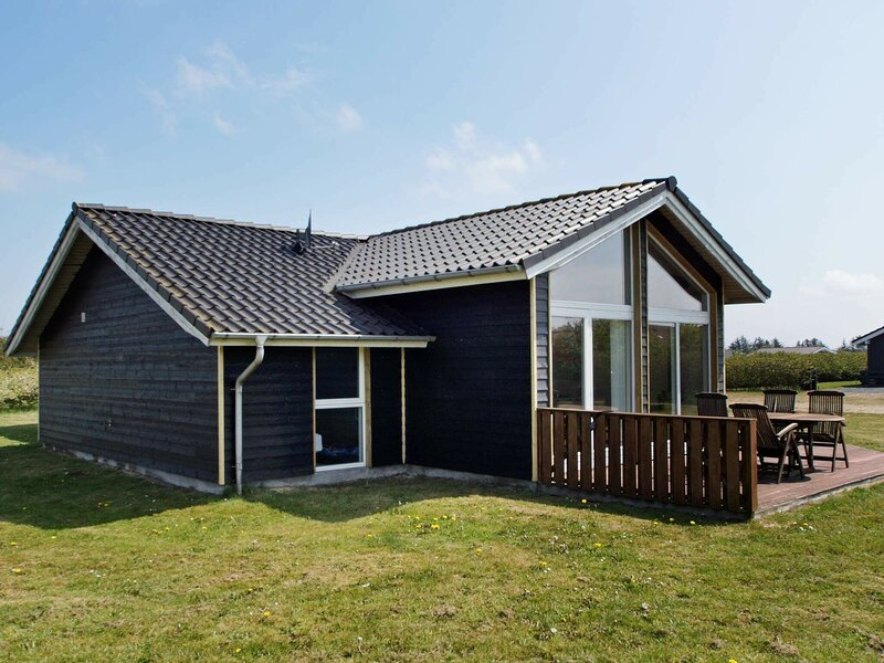 Classic Holiday Home in Tarm with Sauna, holiday rental in West Jutland
