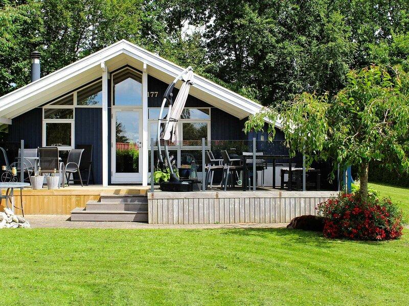 Quaint Holiday Home in Juelsminde with Sauna, location de vacances à Odder