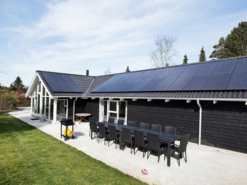 Cozy Holiday Home in Hornbæk with Swimming Pool, location de vacances à Helsingborg