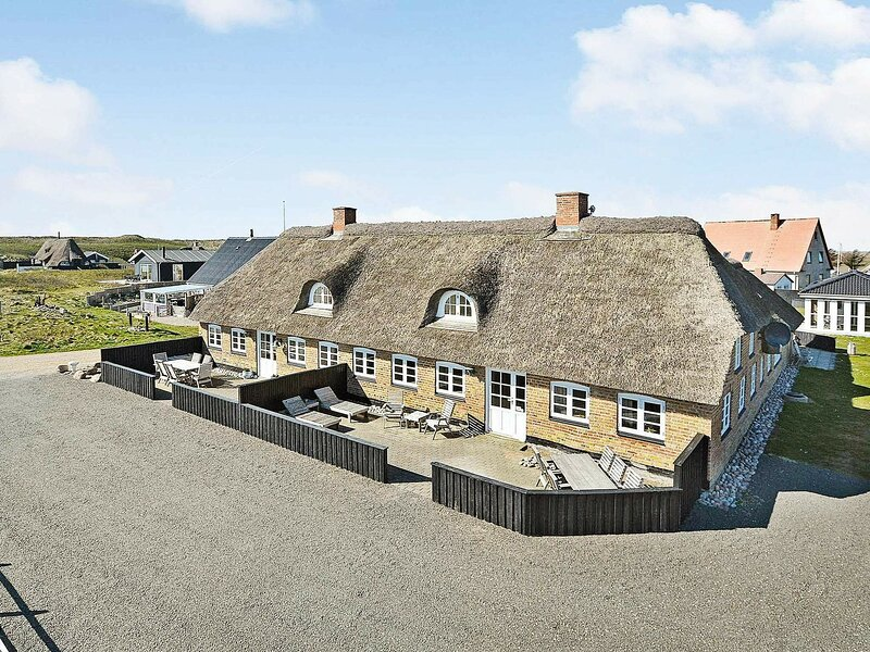 Spacious Holiday Home in Ulfborg with Private Whirlpool, holiday rental in Vederso Klit