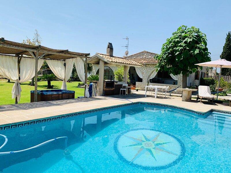 Finca Sa Vinyeta con piscina, holiday rental in Binibona